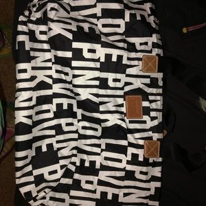 Victoria Secret Weekend bag